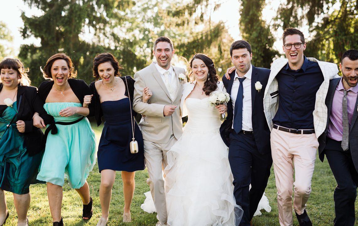 Photo de groupes lors d'un mariage à la ferme de Genièvre (78)