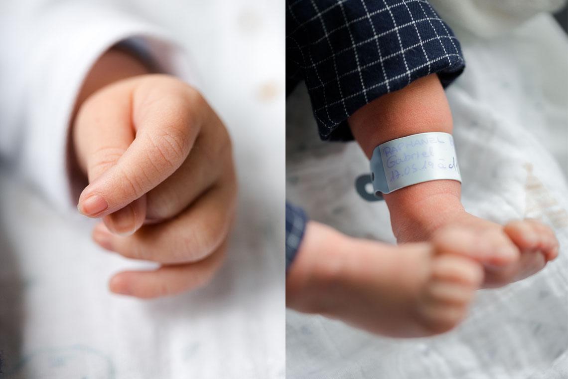 détails pieds et mains bébé