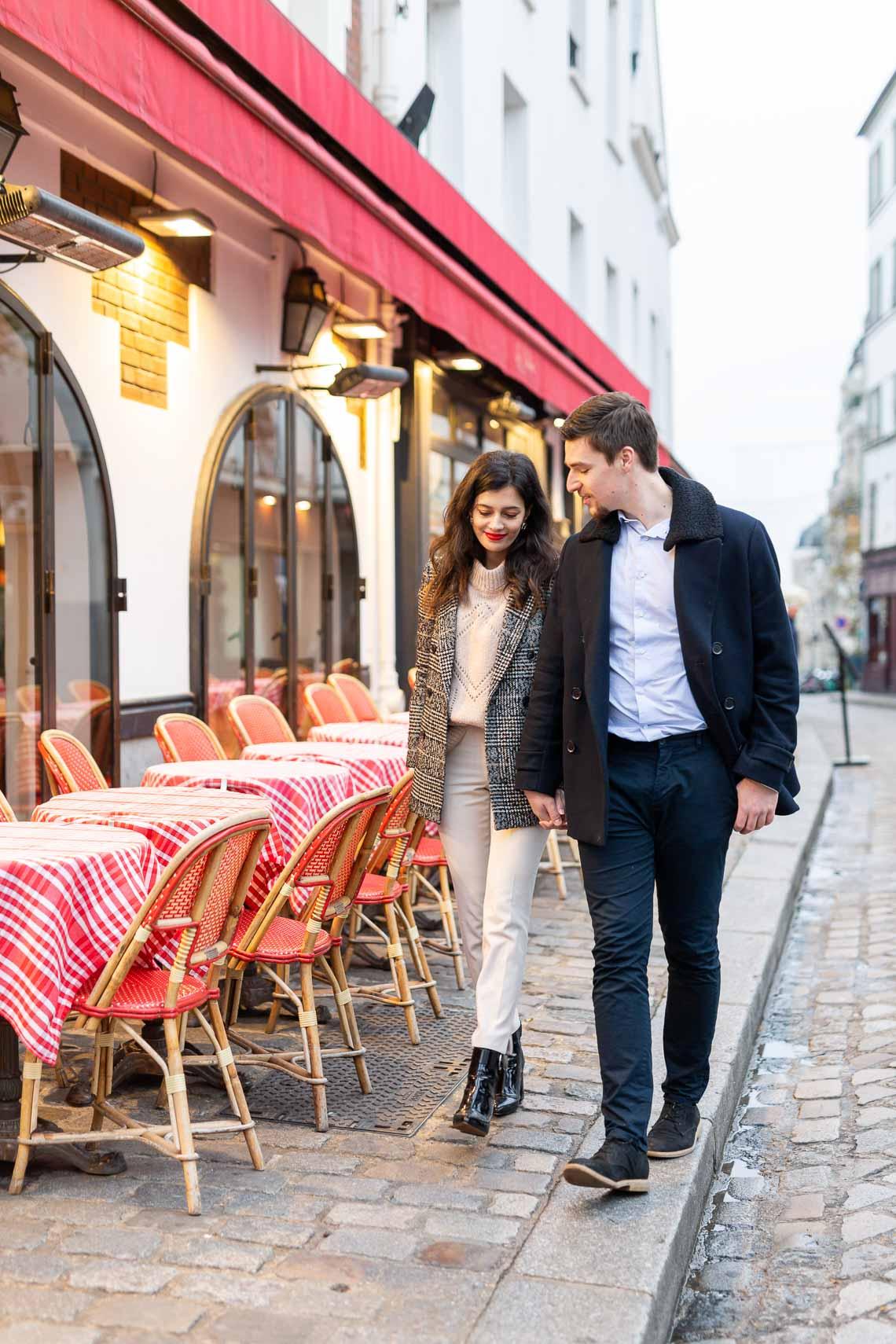 Photo rue Paris couple bar