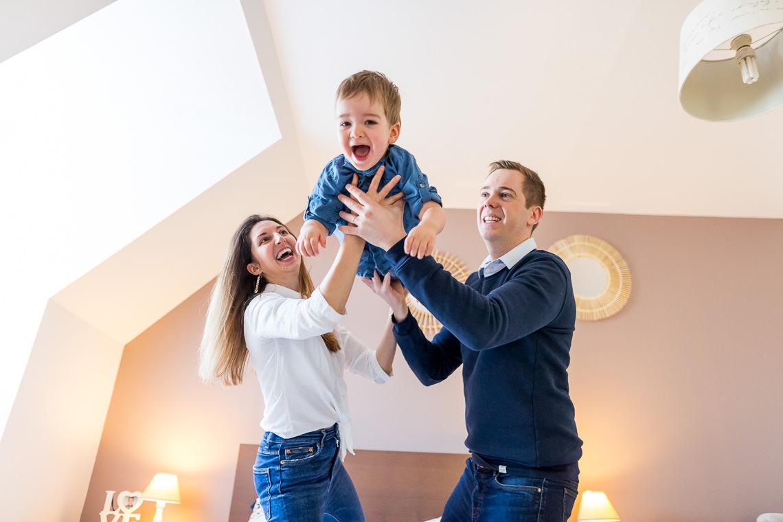 séance photo de famille rires