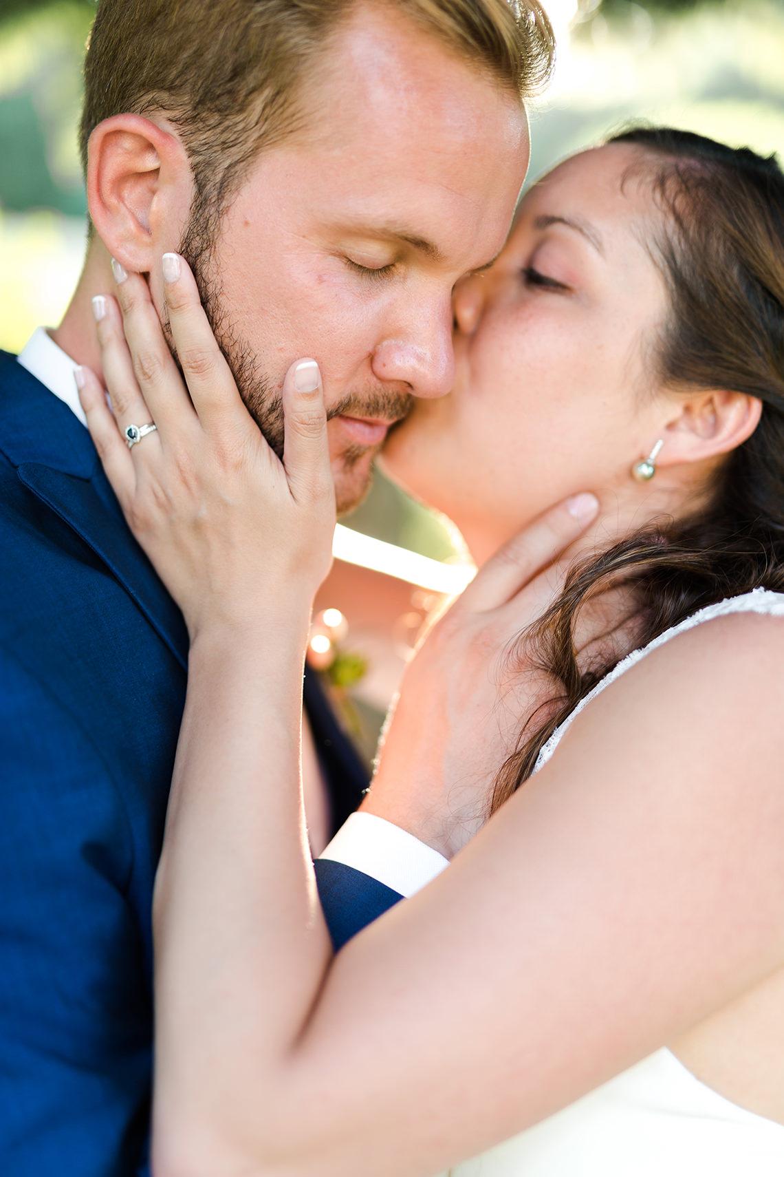 bisou tendresse mariés mariage cergy